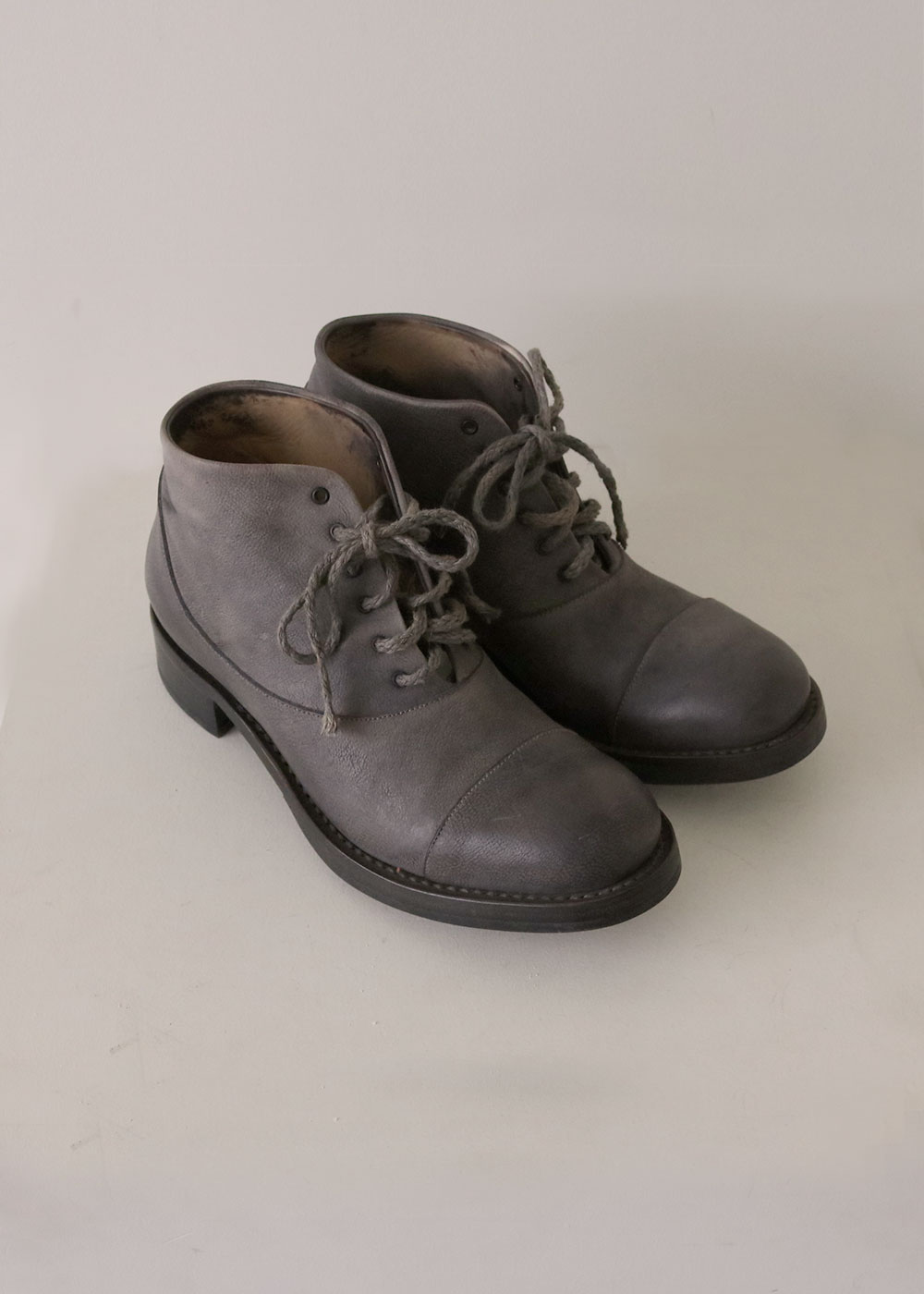 6 HOLE BOOT GOODYEAR