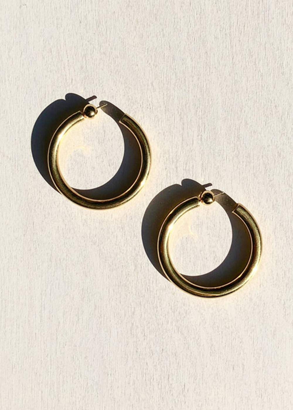GOLD MEDIUM EVERYDAY HOOPS