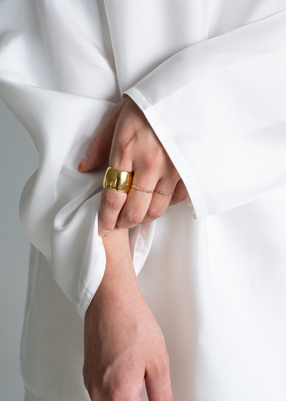 WIDE CIGAR BAND RING - gold