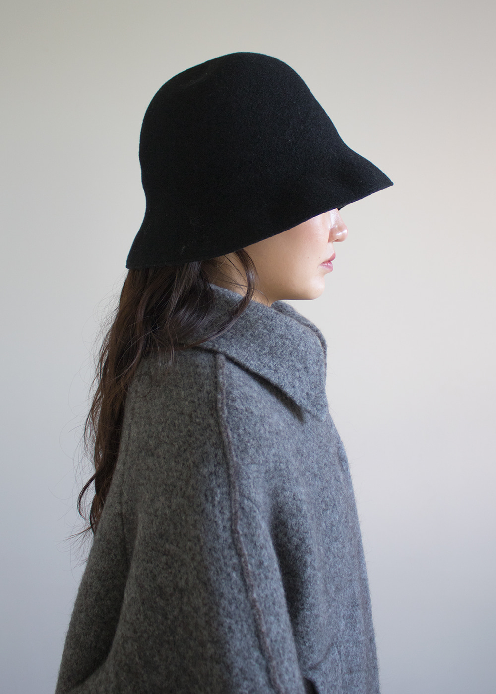 WIDEN BELL HAT LAMB - black